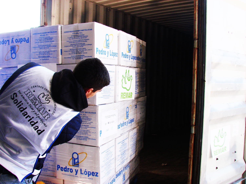 contenedores de ayuda humanitaria desde Remar ONG