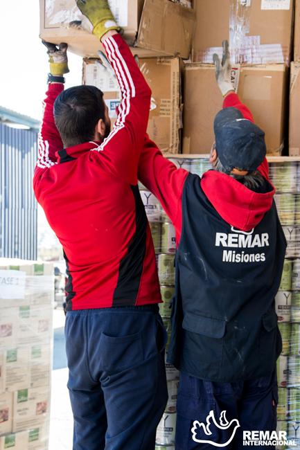 remar ong contenedores de ayuda humanitaria