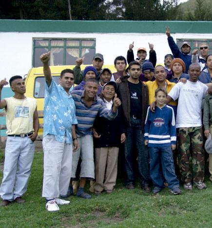 Chicos en centro de rehabilitacion de la ong remar en ecuador