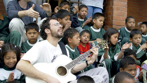 Niños en hogar de la ong remar en ecuador