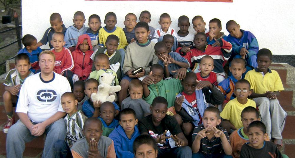 Adolescentes de hogar de la ong remar en colombia