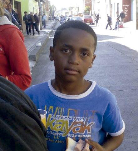 Niño de hogar de la ong remar en colombia